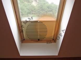 Cистема для мансардных окон с направляющими
