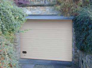 Бытовые гаражные ворота